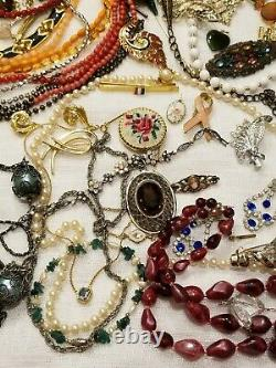 BIG High END ALL VINTAGE JEWELRY LOT LBS BROOCHES CLIP EARRINGS + SIGNED 65+