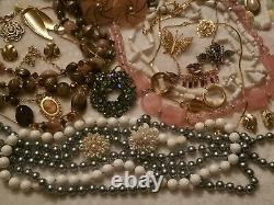 BIG LB ALL Vintage High End Jewelry Lot Some Signed Napier Crown Trifari JJ 70+P