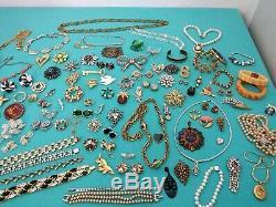 High End Vintage Costume Ladies Rhinestone Crystal Jewelry Lot Signed 106 Pc