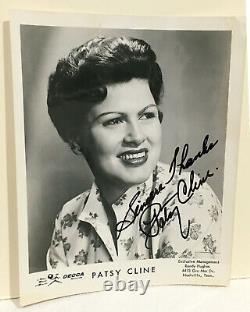 High Quality Patsy Cline Autographed Original Decca Records Promotional Photo