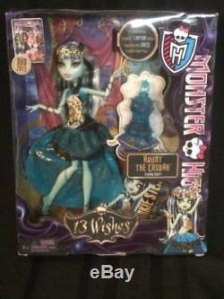 MONSTER HIGH 13 WISHES FIVE DOLLS, CASBAH SIGNED PRINT ART & TWO PLAYSETS WithDOLLS