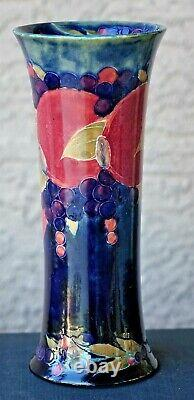 Moorcroft Vase, Pomegranate, Burslem, England Signed, Vintage 10 High