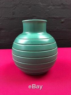 Stunning Rare Art Deco Wedgwood Signed Keith Murray Green Ribbed Vase 6 High